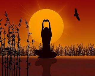 Resultado de imagem para posturas de yoga ao por do sol